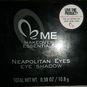 Me makeover essentials eye shadow